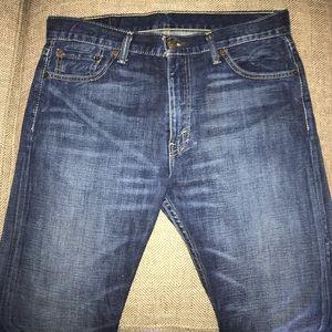 EUC  Levi's 513 Jeans Size 33.